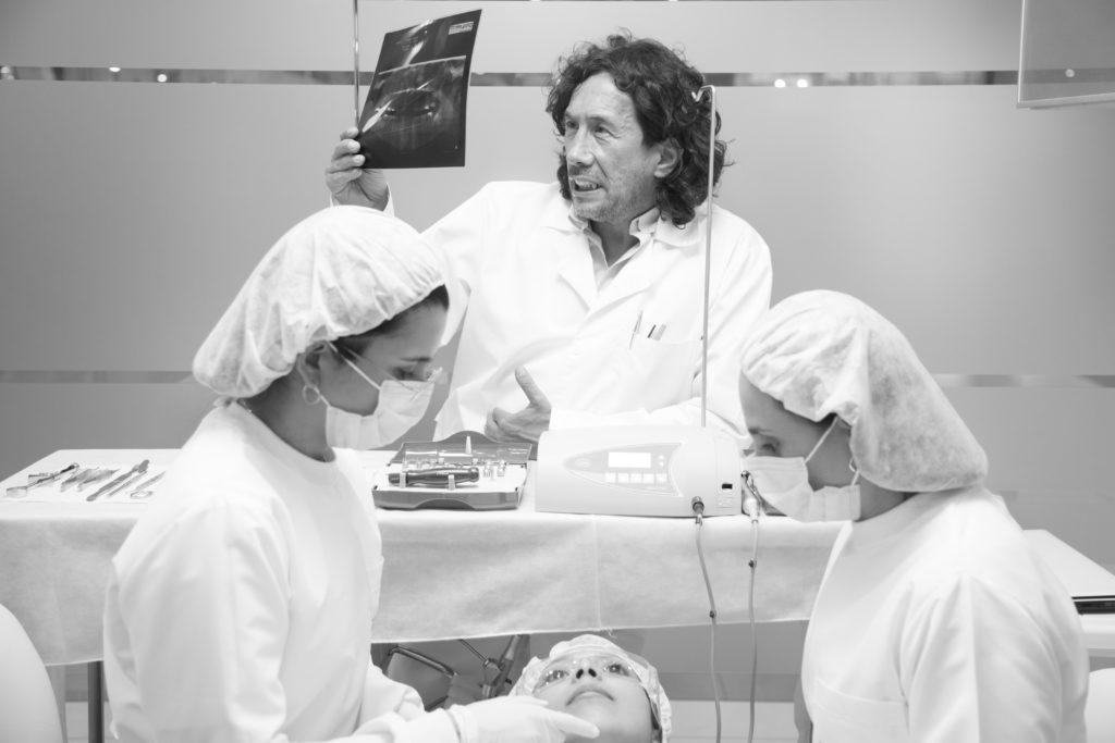 Implantes Dentales: conoce el precio de este servicio con nosotros