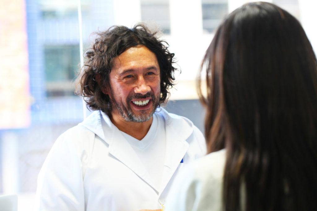 Haz que tu sonrisa luzca perfecta: Guía para tener dientes fuertes